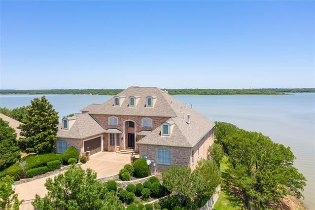 Property Image Of 820 N Shore Drive In Highland Village, Tx