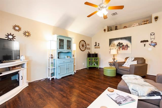 Property Image Of 5413 Parkview Hills Lane In Fort Worth, Tx