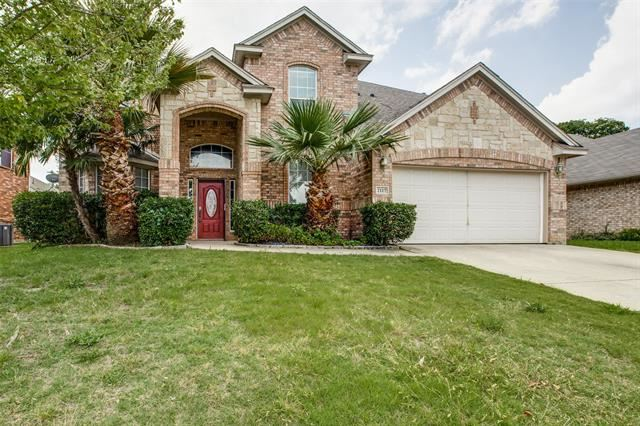 Property Image Of 2117 Kingsley Drive In Mansfield, Tx
