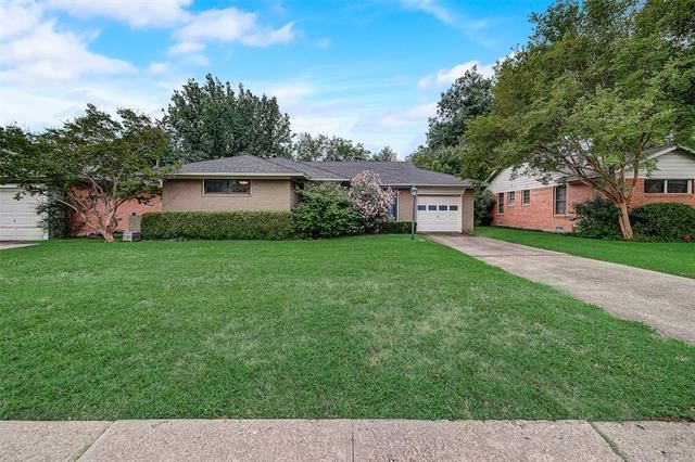 Property Image Of 10222 Lanshire Drive In Dallas, Tx
