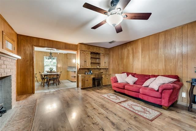 Property Image Of 3711 Fm 1722 In Ennis, Tx