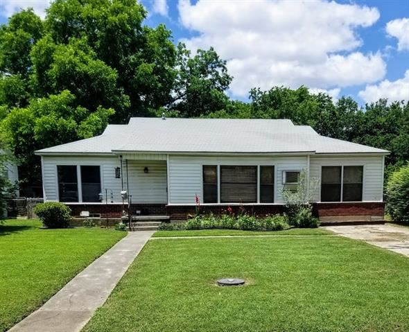 Property Image Of 1205 N Morris In Gainesville, Tx