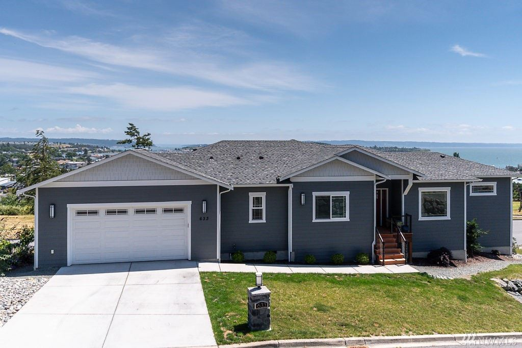 Oak Harbor                                                                      , WA - $709,000