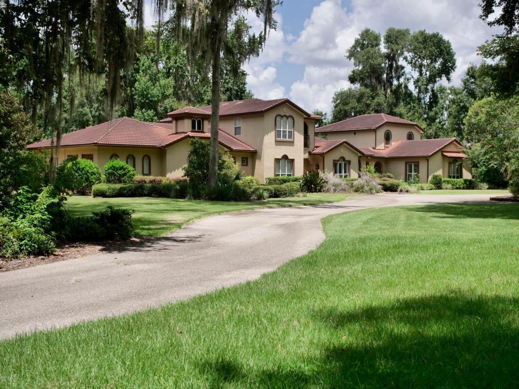 Ocala                                                                      , FL - $1,895,000