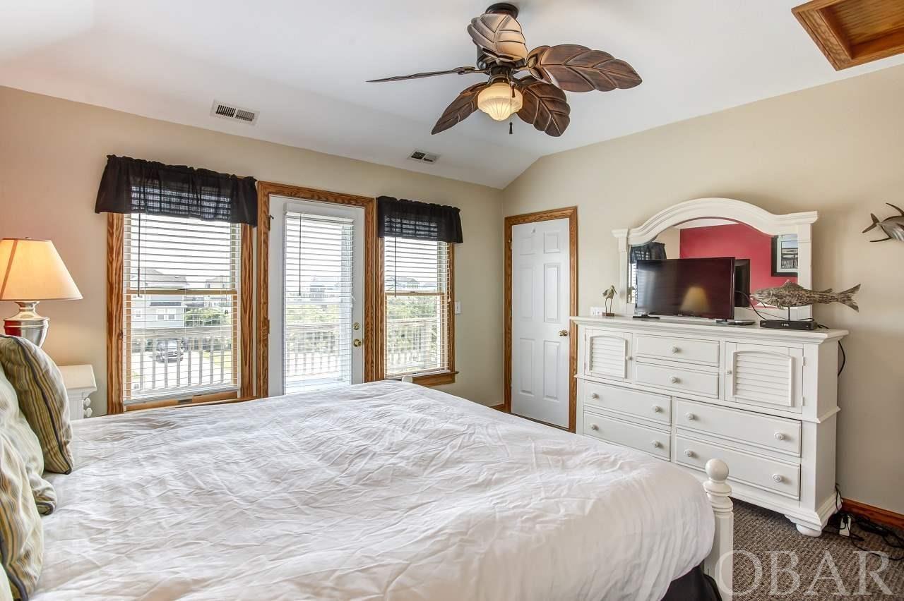 Property Image Of 906 Whalehead Drive In Corolla, Nc