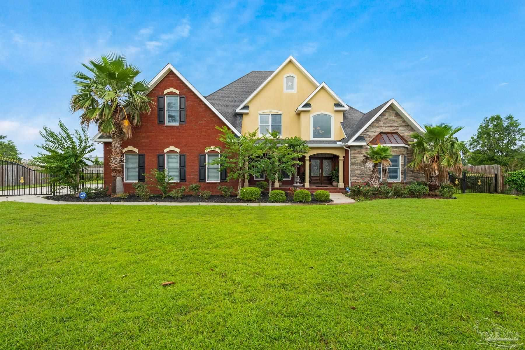 Pace                                                                      , FL - $609,000