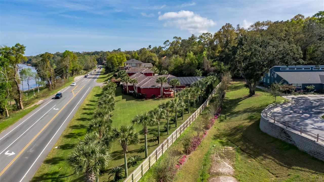 Property Image Of 3097 Pelican Ln In Pensacola, Fl