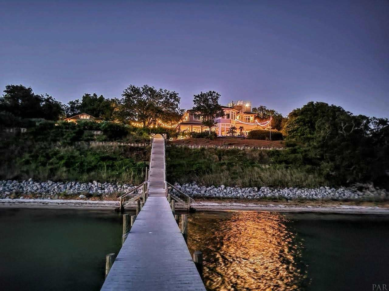 Gulf Breeze                                                                      , FL - $6,900,000