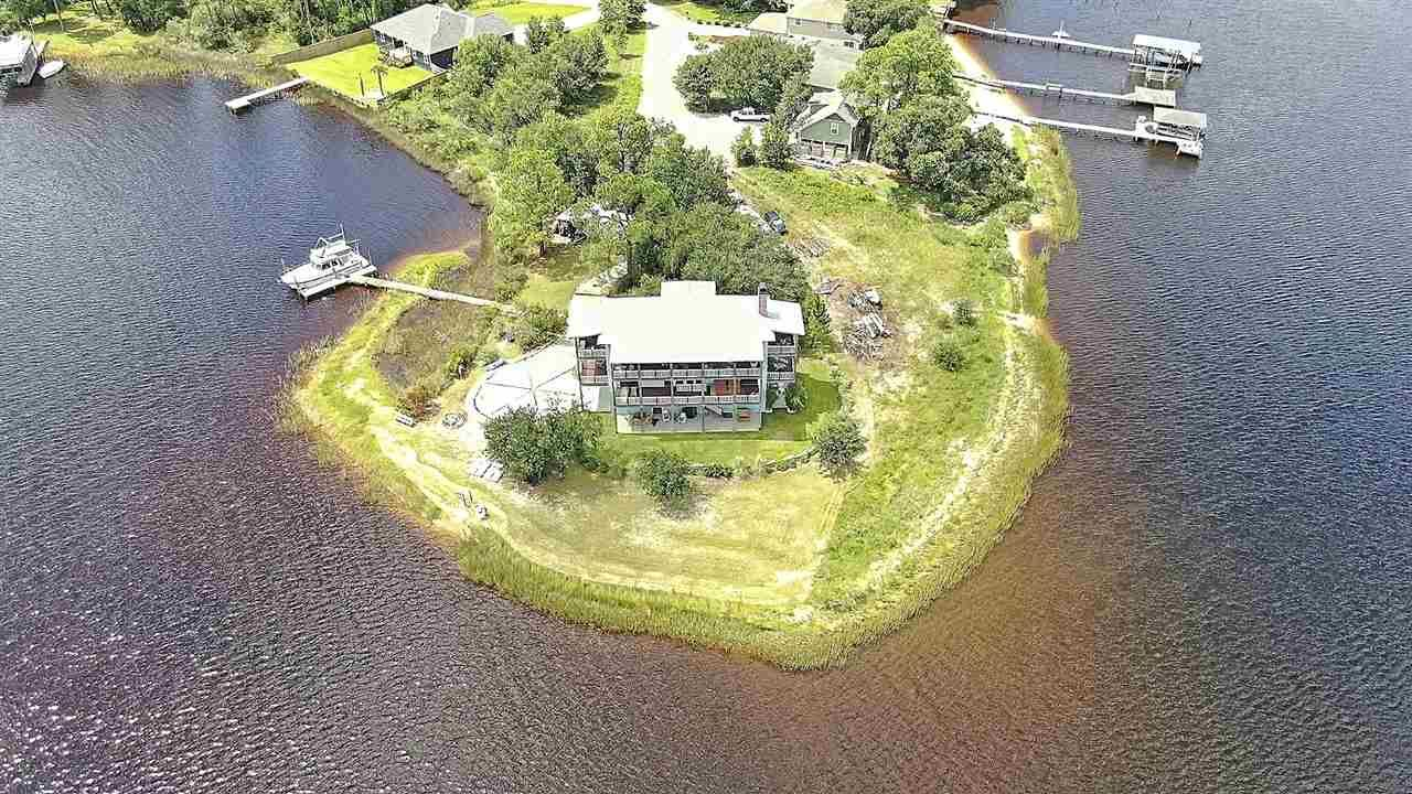Navarre                                                                      , FL - $860,000