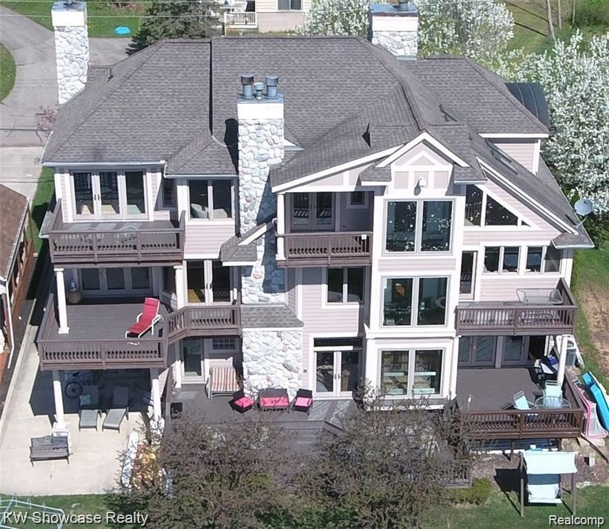 Commerce Twp                                                                      , MI - $1,390,000