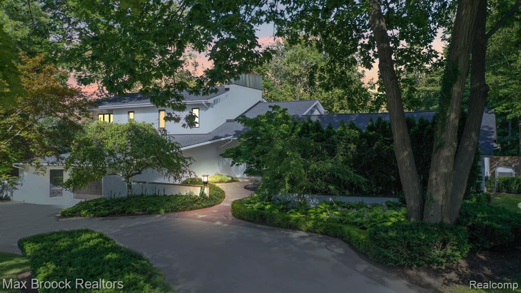 Birmingham                                                                      , MI - $2,290,000