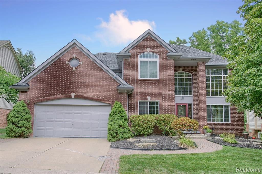 Farmington                                                                      , MI - $440,000