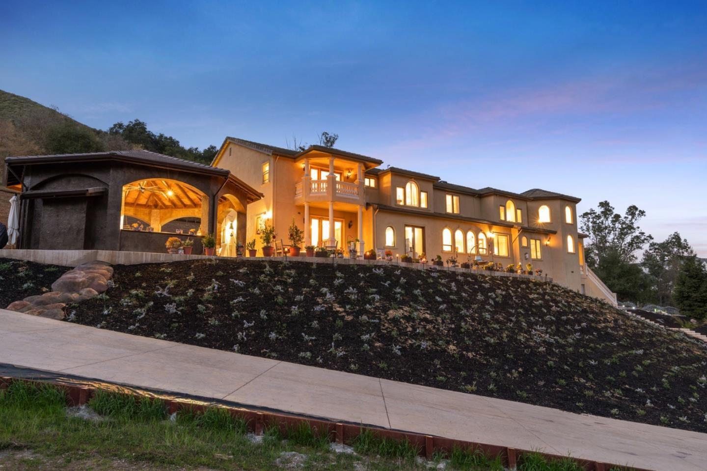 Morgan Hill                                                                      , CA - $2,788,000