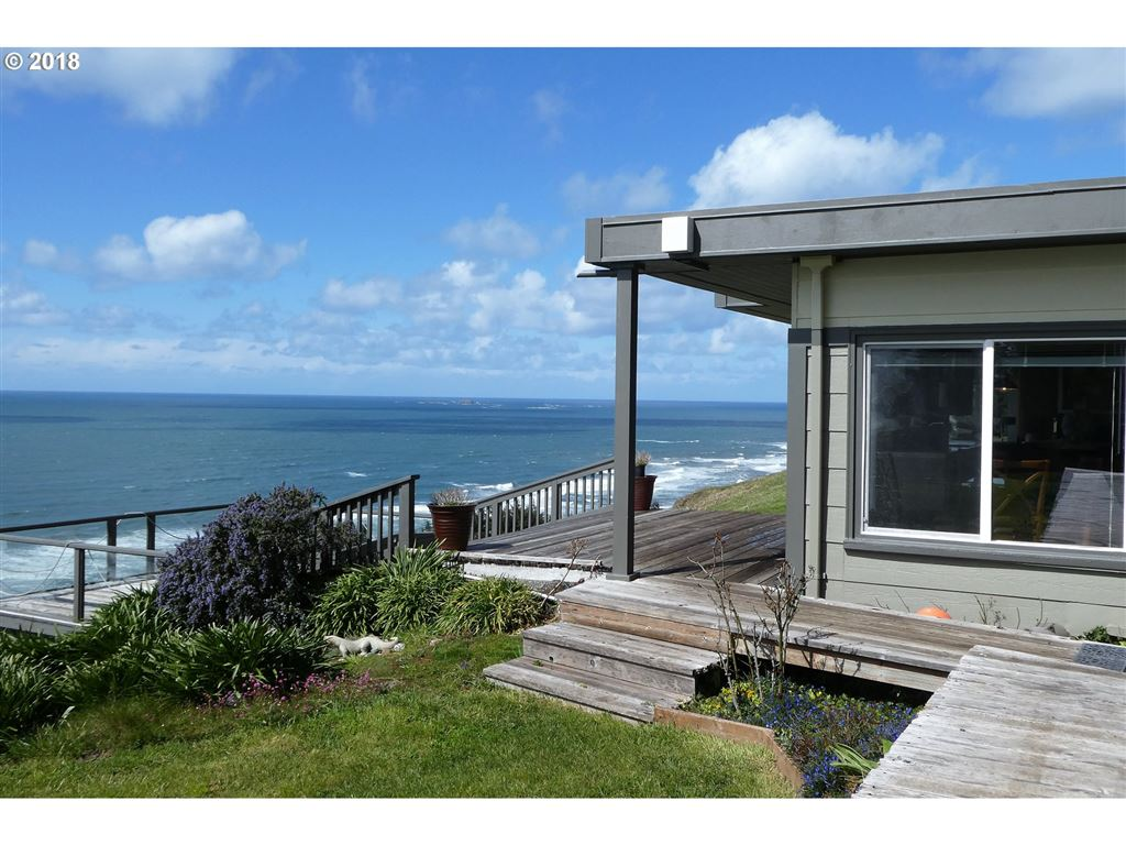 Gold Beach                                                                      , OR - $798,000
