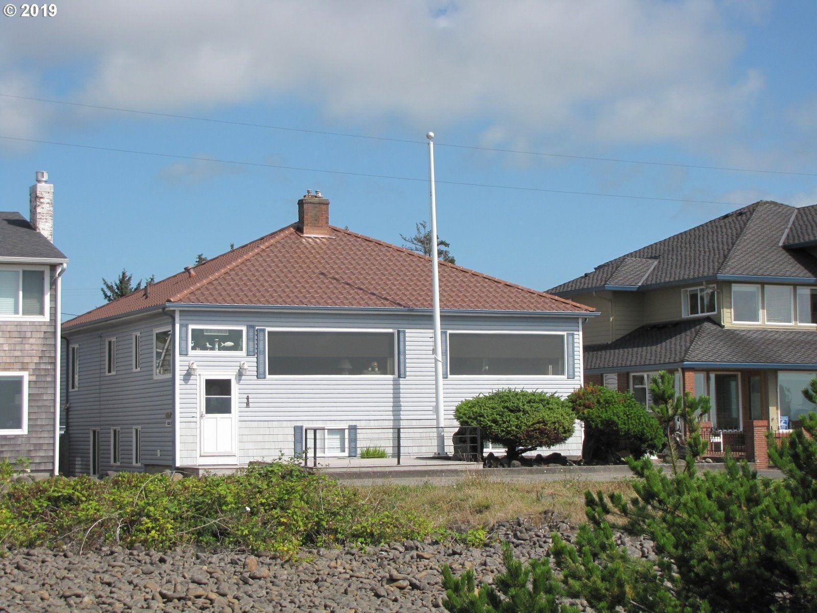 Seaside                                                                      , OR - $999,000