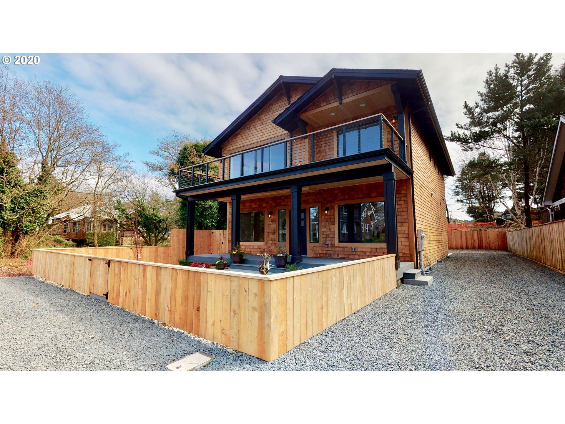 Cannon Beach                                                                      , OR - $1,149,000