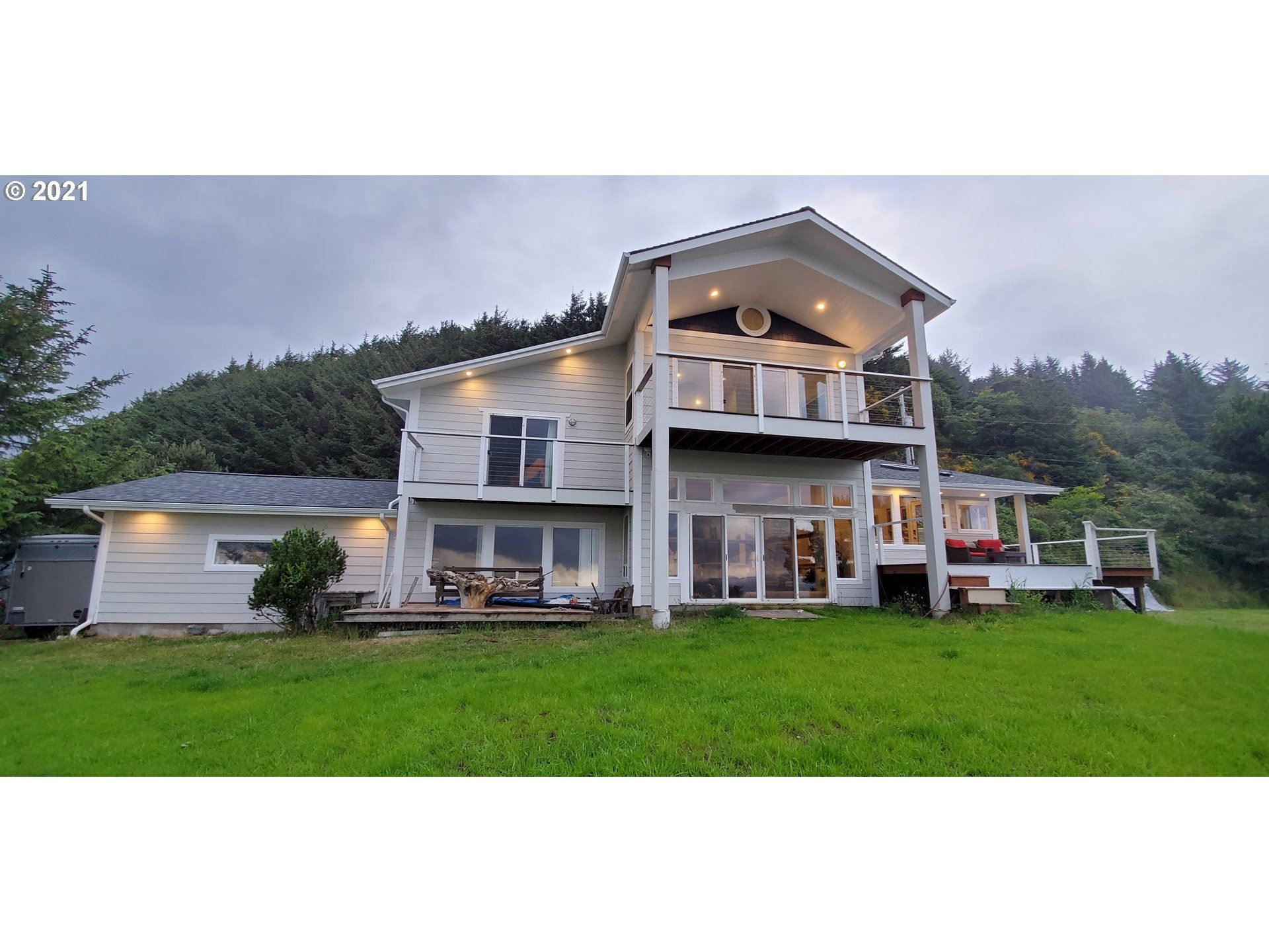 Gold Beach                                                                      , OR - $829,000