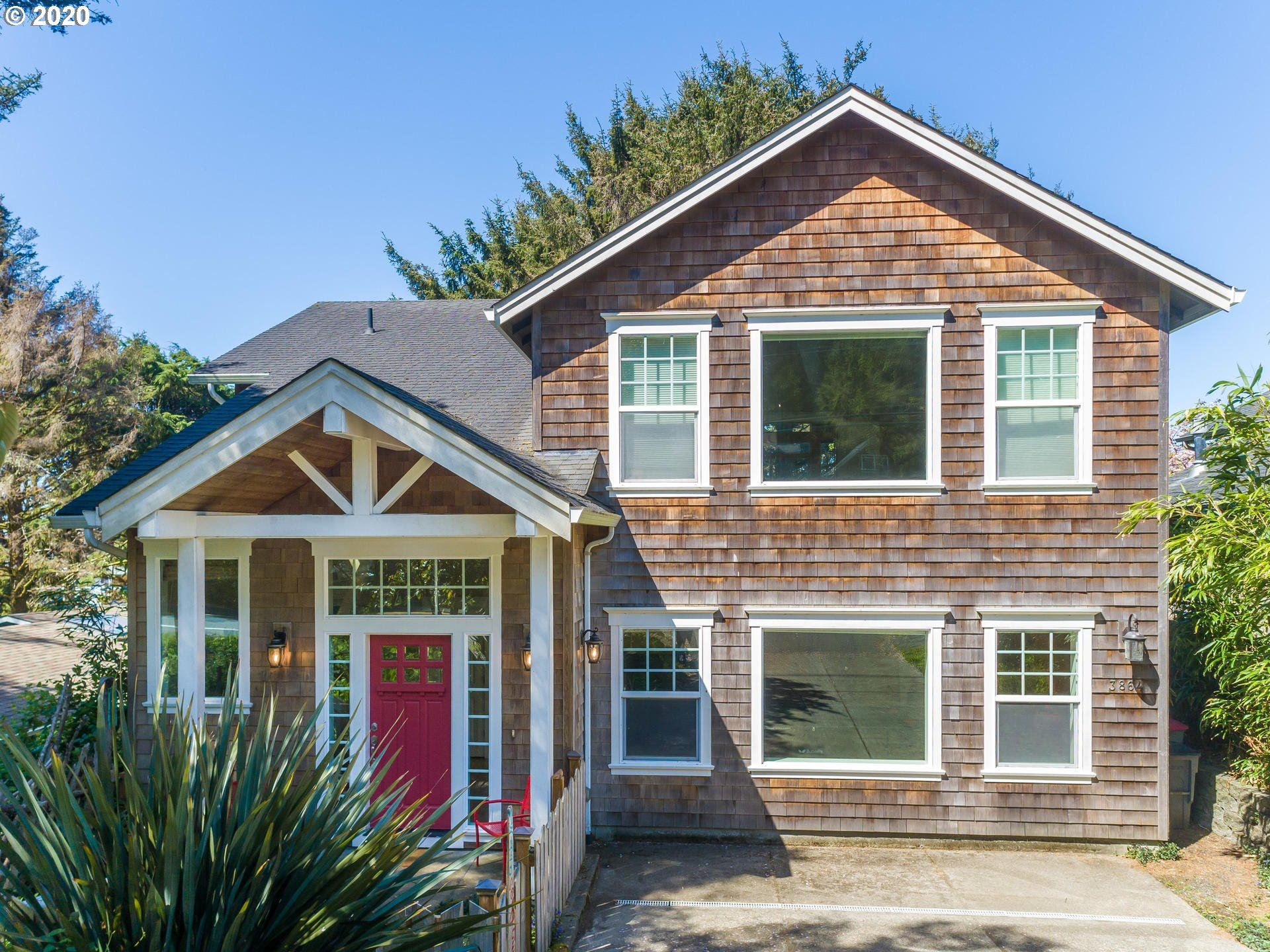 Cannon Beach                                                                      , OR - $759,000