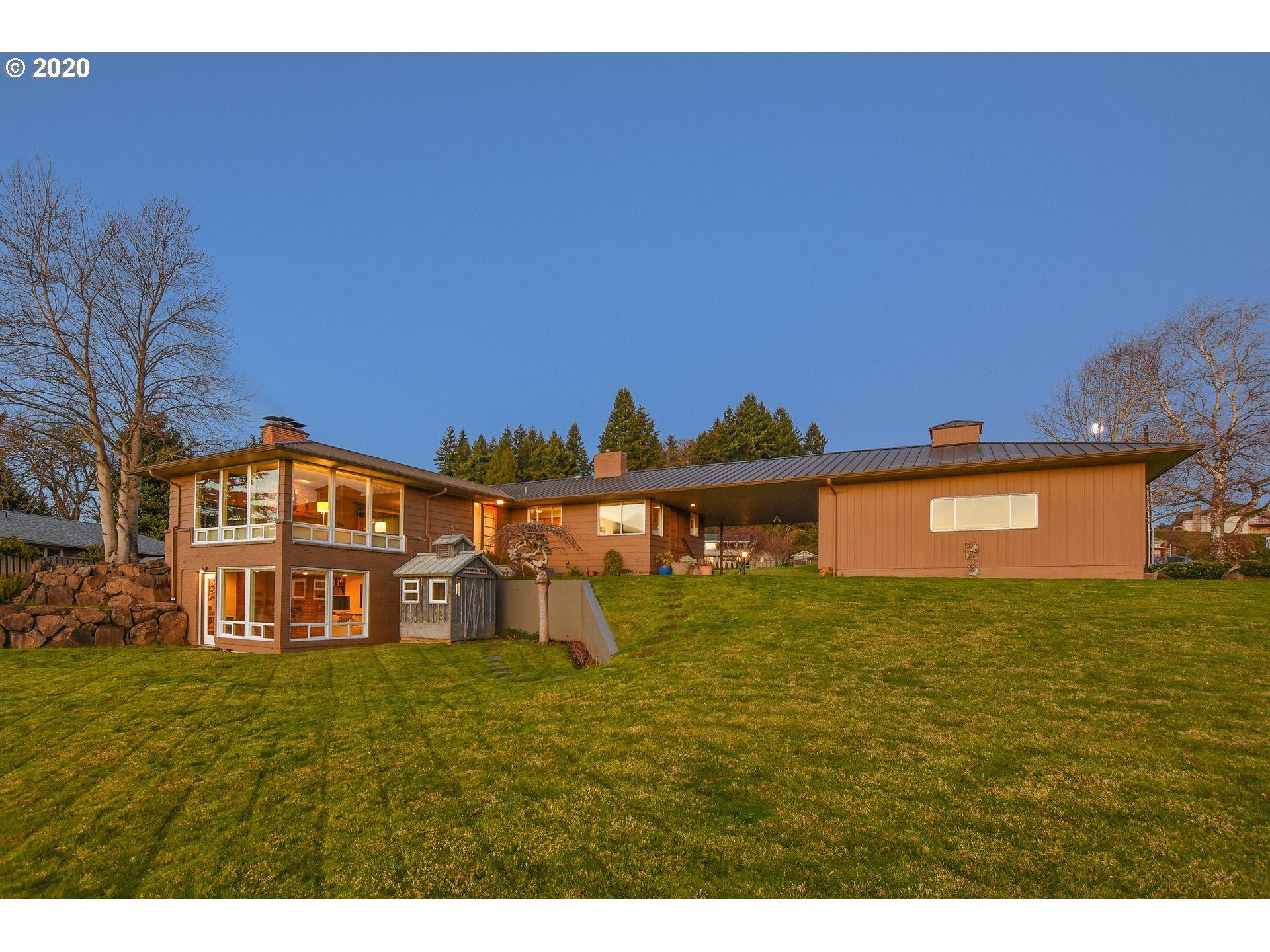 Vancouver                                                                      , WA - $879,000