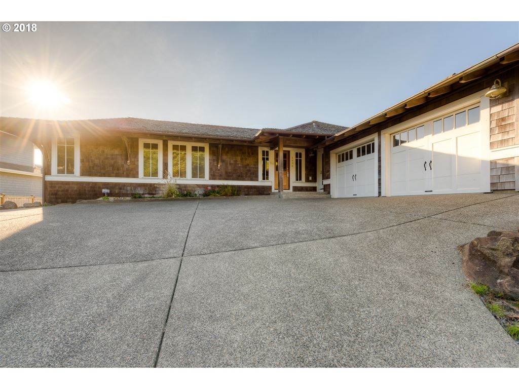Cannon Beach                                                                      , OR - $1,174,900