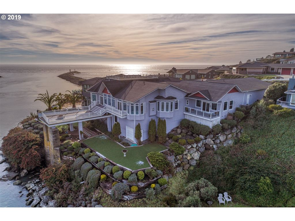 Brookings                                                                      , OR - $1,695,000