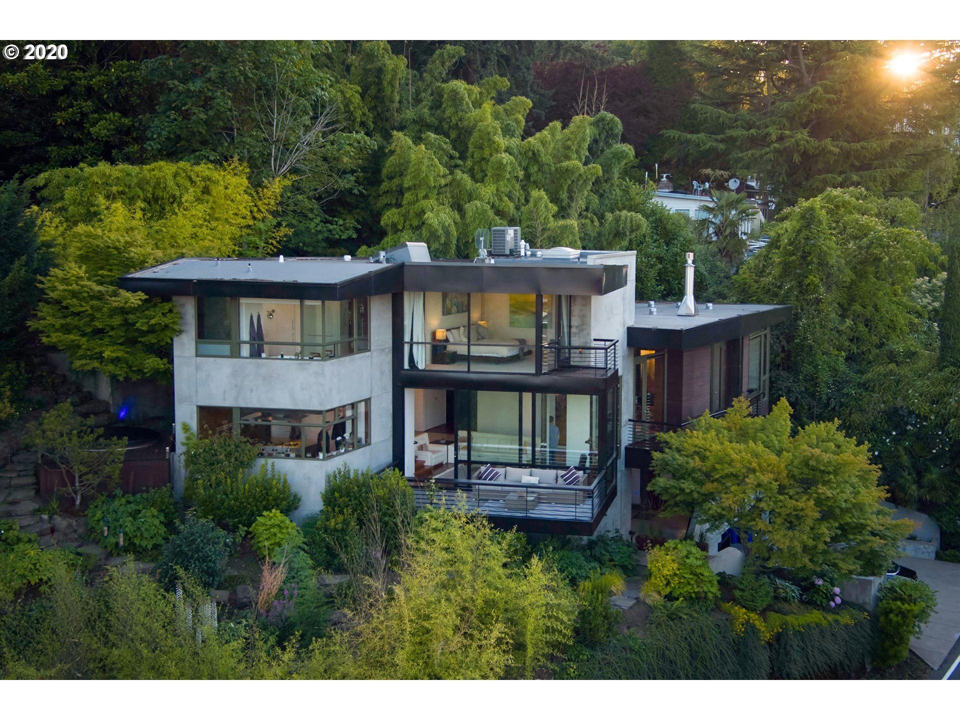 Portland                                                                      , OR - $2,499,900