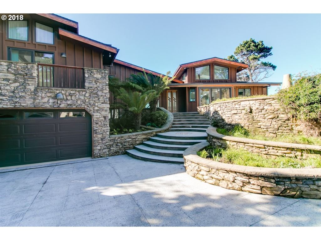 Brookings                                                                      , OR - $1,475,000