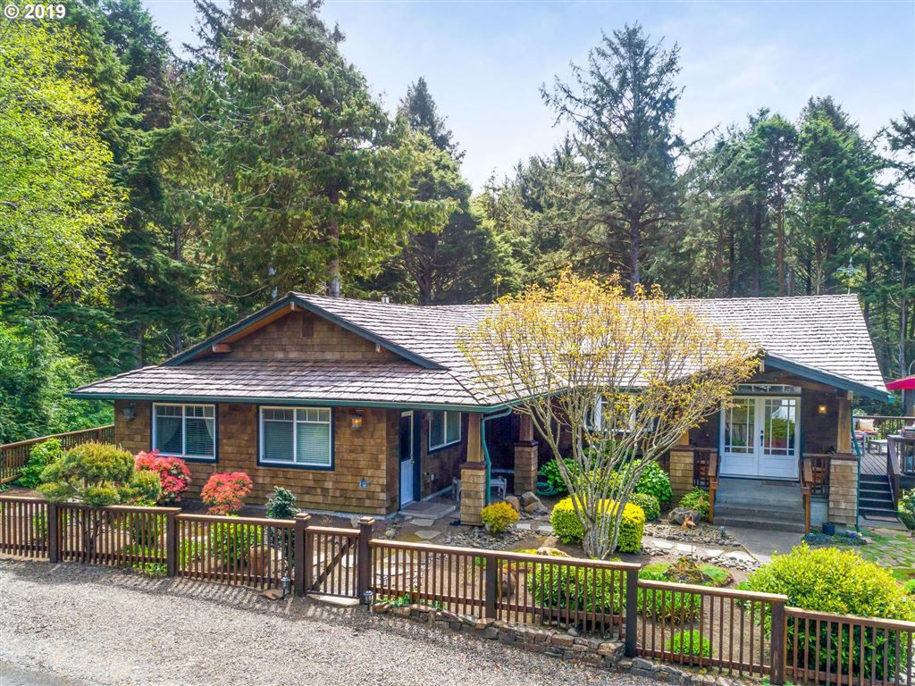 Cannon Beach                                                                      , OR - $849,000