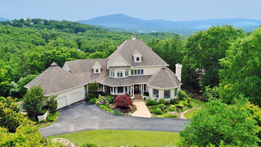 Roanoke                                                                      , VA - $888,000