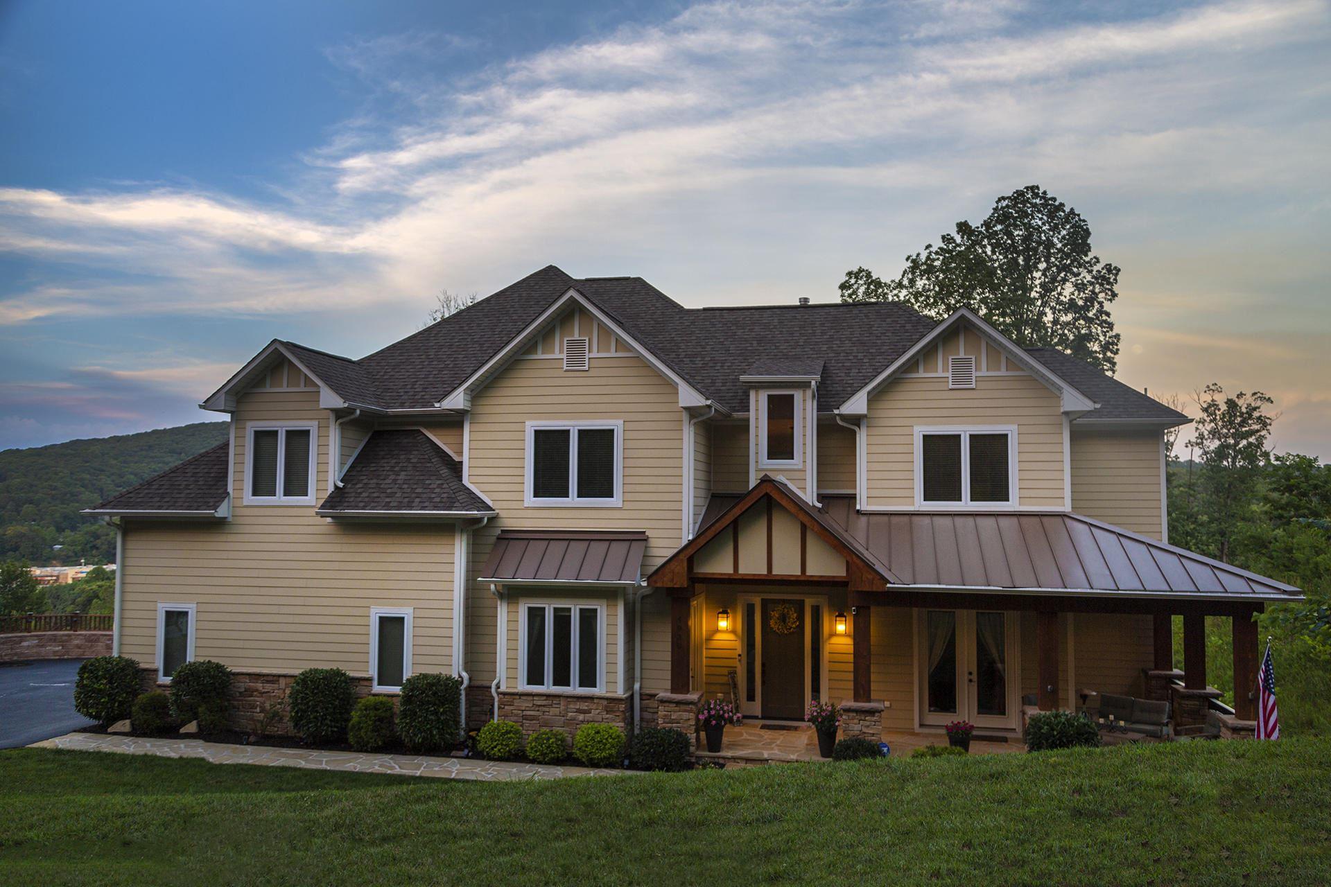 Roanoke                                                                      , VA - $784,950