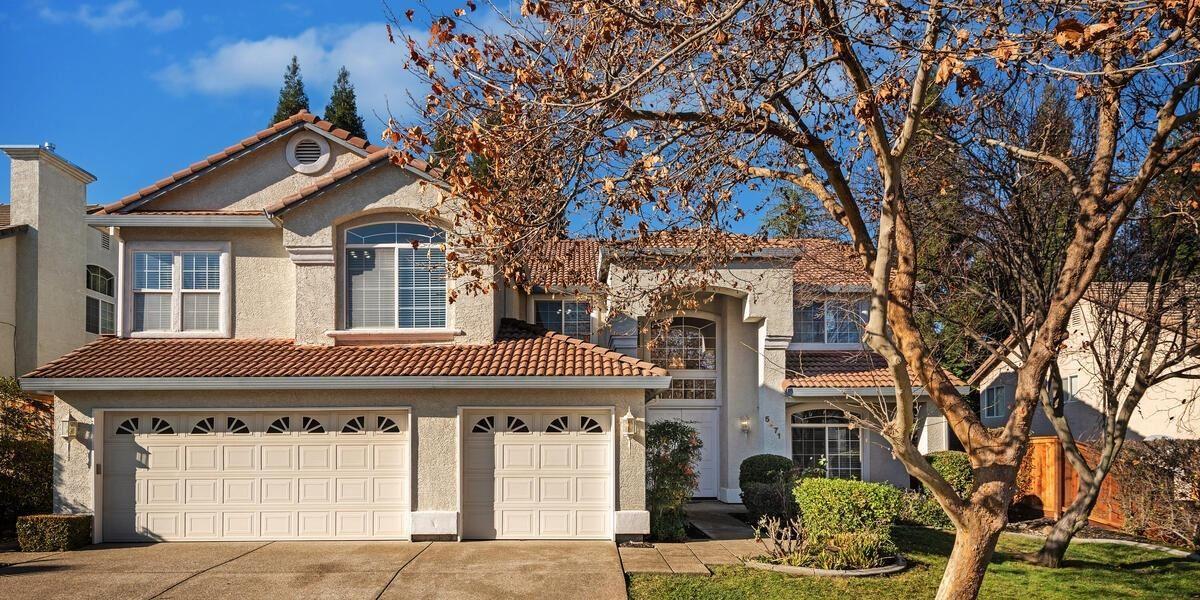 Roseville                                                                      , CA - $889,000