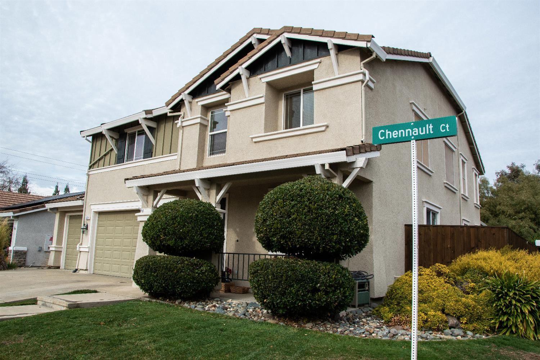Roseville                                                                      , CA - $690,000