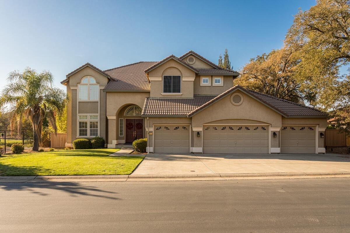 Roseville                                                                      , CA - $899,000