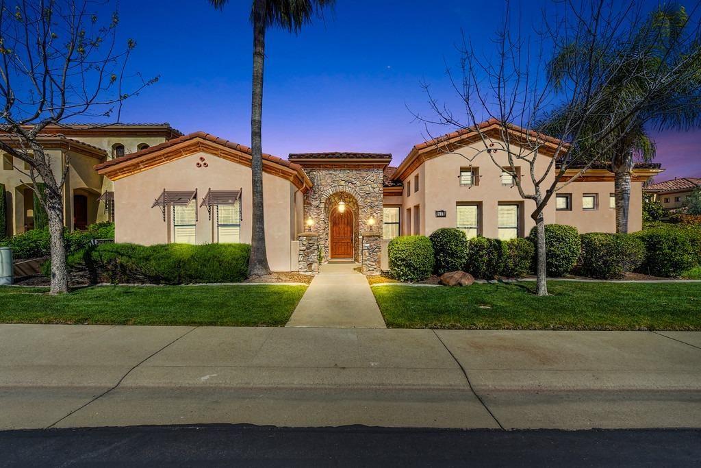 Roseville,CA- $849,900