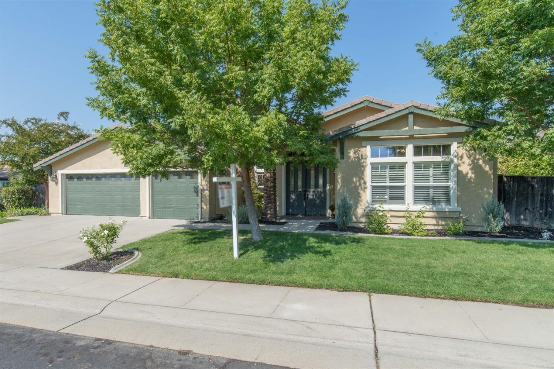 Roseville,CA- $949,000