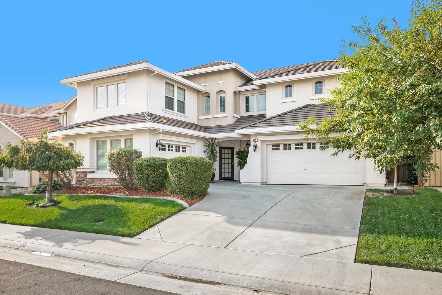 Roseville,CA- $829,900