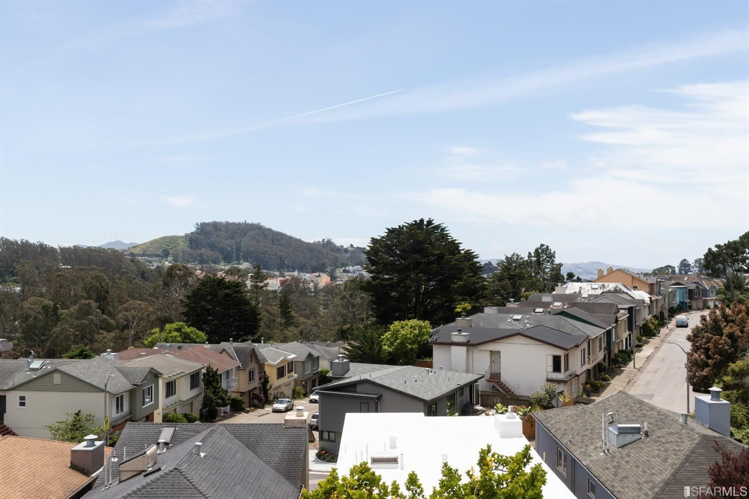 Property Image Of 65 Woodhaven Court In San Francisco, Ca