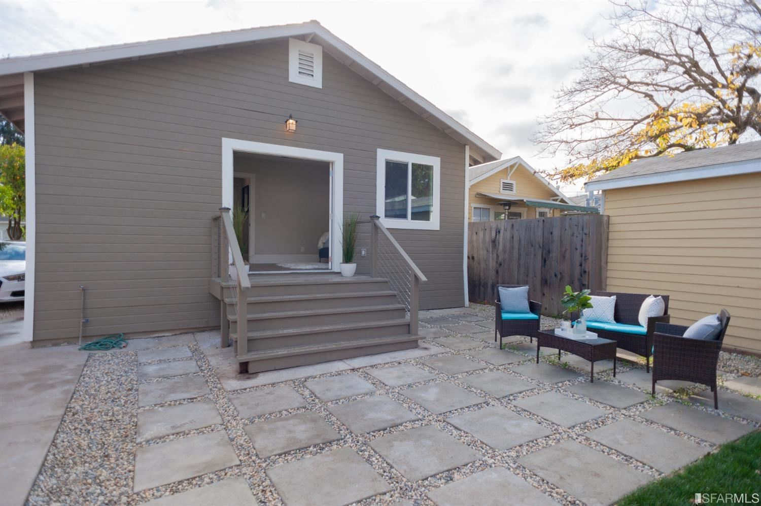 Property Image Of 212 Oak Avenue In Redwood City, Ca