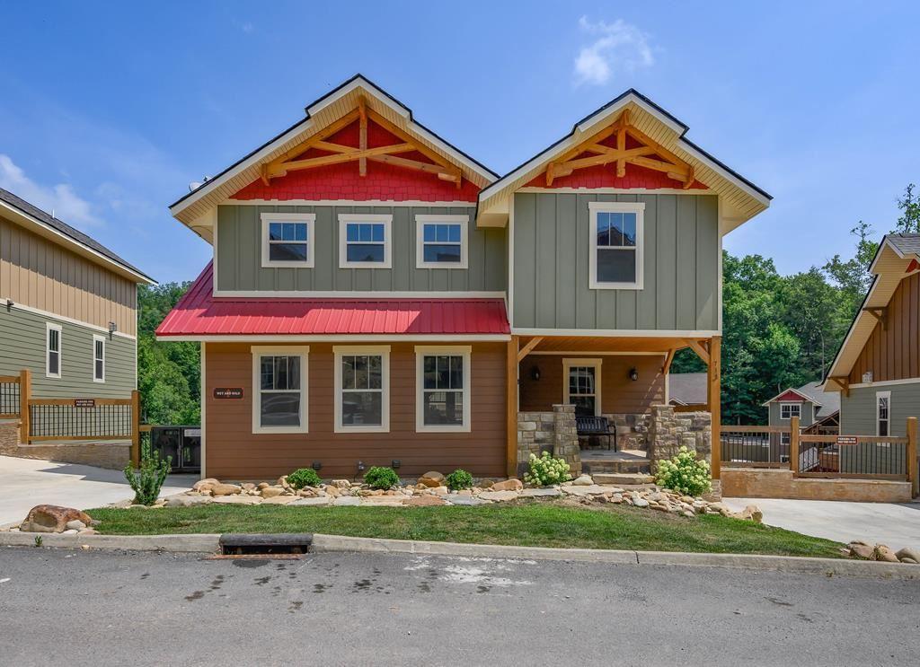 Gatlinburg                                                                      , TN - $925,000