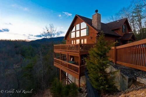 Gatlinburg                                                                      , TN - $885,000