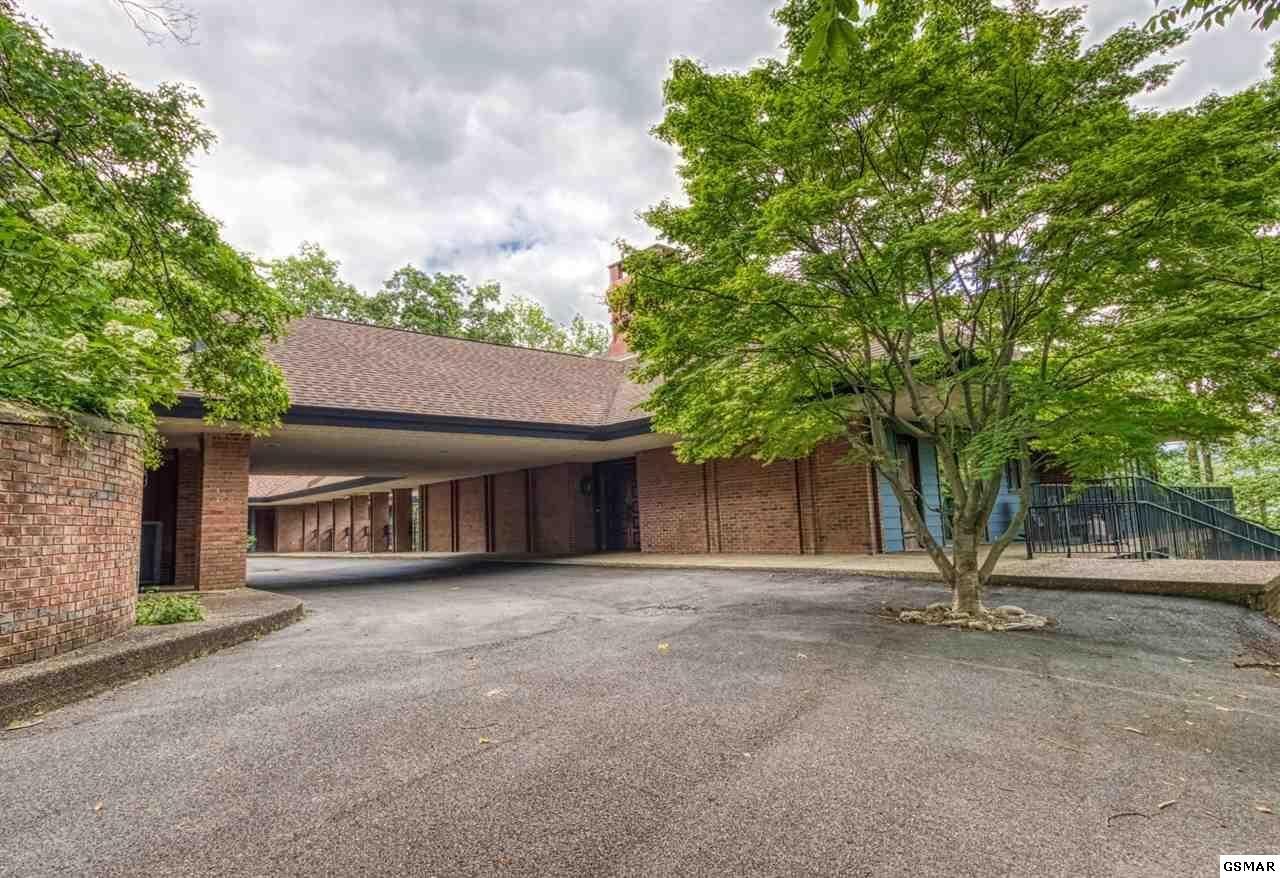Gatlinburg                                                                      , TN - $1,160,000