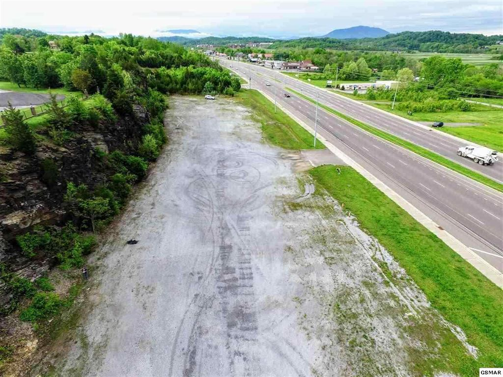 Property Image Of Winfield Dunn Parkway Parcel 025.01 In Sevierville, Tn