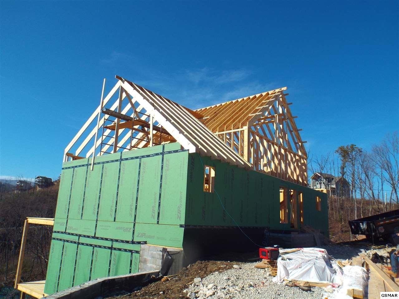 Gatlinburg                                                                      , TN - $950,000