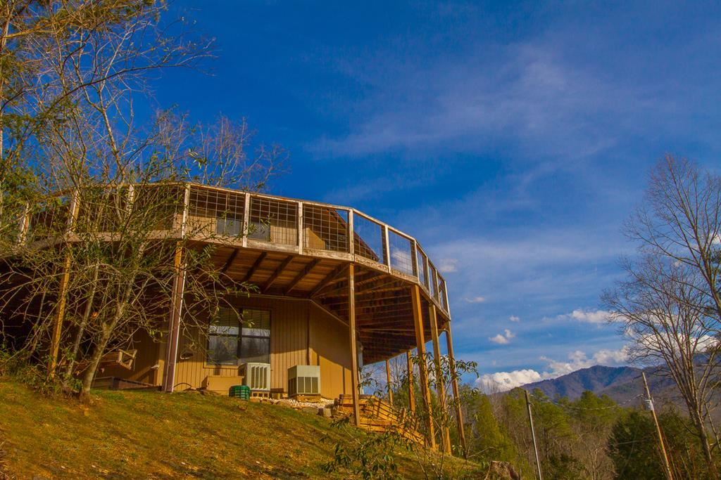 Gatlinburg                                                                      , TN - $699,000