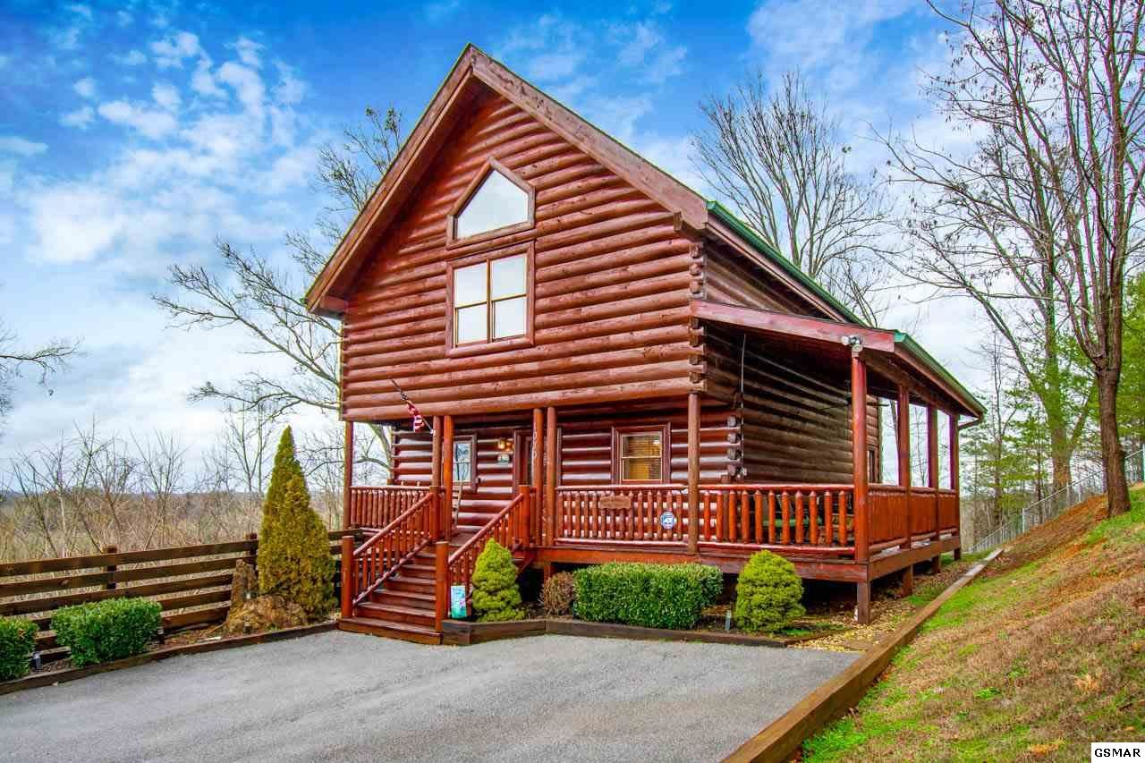 Property Image Of 1070 Towering Oaks Dr In Sevierville, Tn