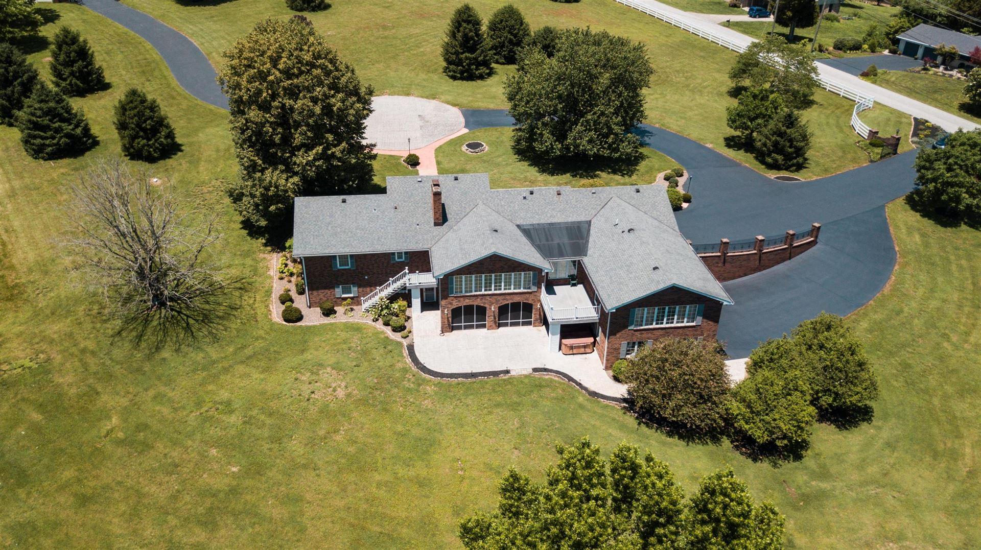 Somerset                                                                      , KY - $669,000