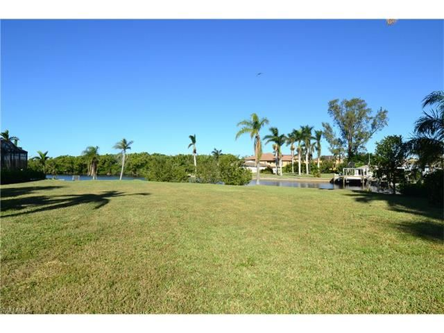Property Image Of 4878 Regal Dr In Bonita Springs, Fl