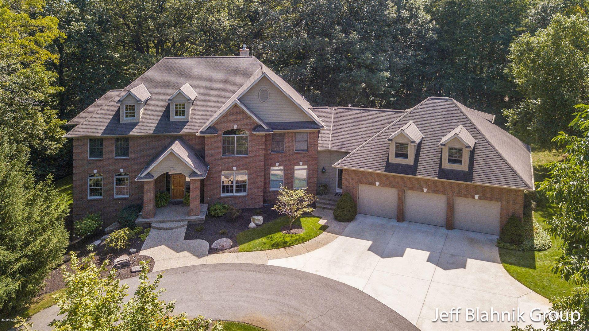 Grand Rapids                                                                      , MI - $985,000