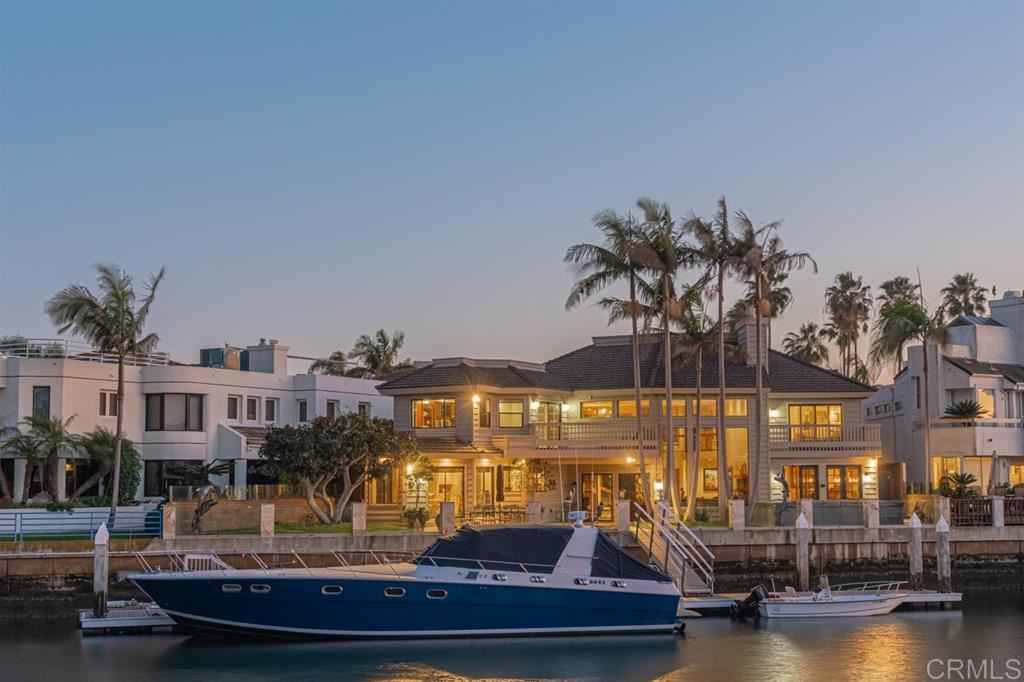 Coronado                                                                      , CA - $3,900,000