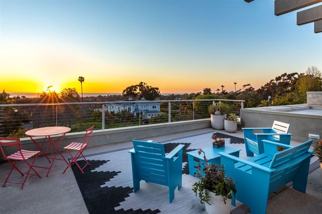 Encinitas                                                                      , CA - $3,150,000